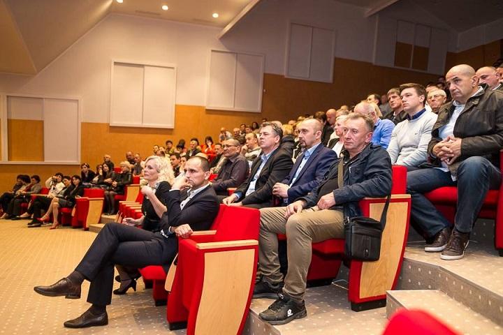 Publika u Vikarijatu